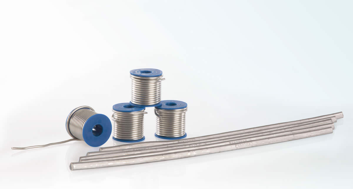 Soldering and welding for stable connection of metal